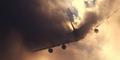 Video Mendebarkan Pesawat Menembus Awan Hitam