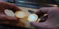 Cara Merebus Telur Agar Kuningnya Berada di Pinggir