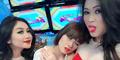 Chika Jessica Pamer Foto Tidur di Dada Seksi Duo Serigala