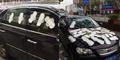 Cewek Cemburu Tutupi Mobil Pacar Pakai Pembalut