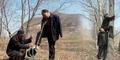 Kisah 2 Pria Buntung dan Buta Tanam 10.000 Pohon di Tiongkok