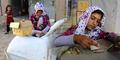 Gadis 9 Tahun Jualan Es Krim Buat Hidupi Keluarga