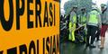 Polantas Main Tilang Panik Dibentak TNI Bersenjata Lengkap