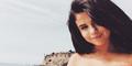 Pose Hot Selena Gomez Selfie Pakai Bikini