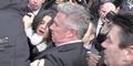Selena Gomez Nyaris Terinjak-injak di Paris Fashion Week