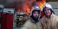 Selfie Saat Bertugas, 2 Petugas Damkar Terancam Dipecat