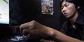 Video Kisah Pekerja Jepang Hidup di Bilik Warnet