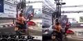 Video Wanita Mabuk Dibonceng Motor Cuma Pakai BH