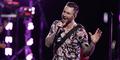 Adam Levine Diserang Fans Saat Manggung di California