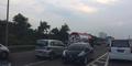 Foto Honda Jazz Nekat Lawan Arus di Tol Jakarta-Tangerang