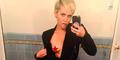 Foto Selfie Hot Miley Cyrus Pamer Payudara