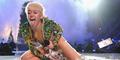 Putus Cinta, Miley Cyrus Malah Ciuman dengan Wanita