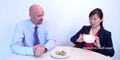 Reaksi Kocak Diplomat Amerika Cicipi Duku Dikira 'Kentang Mini'