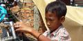 Bocah SD Asal Lampung Naik Sepeda 5 Hari Menuju Palembang