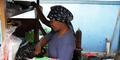 Ibu Penjual Nasi Uduk Tetap Semangat Agar 3 Anaknya Sarjana