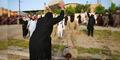 ISIS Kepruk Kepala 2 Orang Pakai Beton Sampai Pecah
