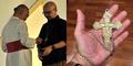 Host Kick Andy Nangis Diberi Salib Dada oleh Uskup Agung