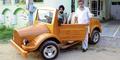 Pria India Ini Ciptakan Mobil dari Kayu