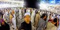 Jamaah Selfie di Depan Kabah Dianggap Keterlaluan
