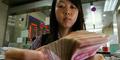 Pegang Uang Kotor, Teller Bank Tertular Penyakit Kelamin