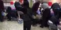 Video Warga Inggris Serbu Diskonan Sampai Guling-guling