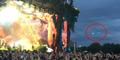 Foto: Ada UFO di Konser Blur