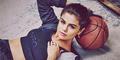Foto Seksi & Sporty Selena Gomez di Iklan Adidas Neo