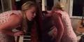 Gadis Selandia Baru Tidur Sambil Main Piano