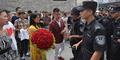 Lamar Pacar di Tempat Umum, Zhang Diciduk Polisi