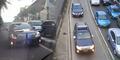 Mobil Pejabat Indonesia Hobi Langgar Lalu Lintas, Ini Buktinya
