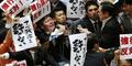 Anggota Parlemen Jepang Gay, Kepergok Mesra Sama Pacar Homonya
