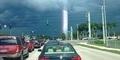 Cahaya Misterius di Langit Florida Bikin Heboh Netizen