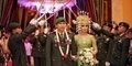 Dinikahi TNI, Winda Khair Gelar Pernikahan Adat Pedang Pora