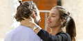 Irina Shayk & Bradley Cooper Kepergok Ciuman di Pantai