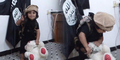 ISIS Didik Balita Jadi Algojo, Sembelih Boneka Teddy Bear
