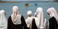 Mengintip Pantai Khusus Wanita di Negara Komunis