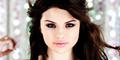 Selena Gomez Unggah Foto Seksi di Toilet