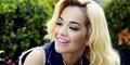 Tak Mengenakan Bra, Payudara Rita Ora Kelihatan