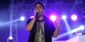 Video Keren Arkarna Bawakan Lagu Gombloh 'Kebyar Kebyar'