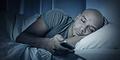 4 Cara Agar Tidak Melihat Ponsel Saat Malam Hari