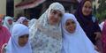 Foto Akur Bella Shofie & Istri Pertama Suryono Rayakan Idul Adha