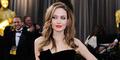 Foto Bugil Lawas Angelina Jolie Dijual Rp 39,9 Juta