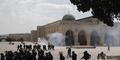 Lagi, Polisi Israel dan Warga Palestina Bentrok di Masjid Al Aqsa