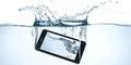 Tips Mengatasi Smartphone Tercebur Air