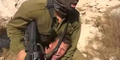 Selamatkan Anaknya, Ibu Lawan Tentara Israel Mati-matian