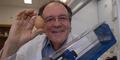Ubah Telur Matang jadi Mentah, Ilmuwan Ini dapat 'Ig Nobel'