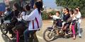 6 Orang Naik Satu Motor, Keluarga Ini Gegerkan Netizen