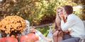7 Hal Tak Masuk Akal Yang Dilakukan Wanita Saat Jatuh Cinta