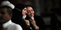 Mengharukan, Reuni Saudara Terpisah 70 Tahun di Mekkah