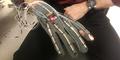 Sarung Tangan ini Ubah Bahasa Isyarat jadi Teks